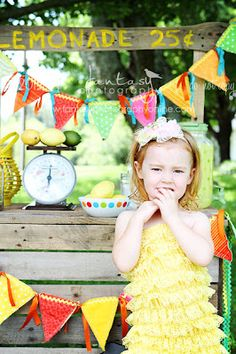 Lemonade Stand Mini Sessions Outdoor Photography