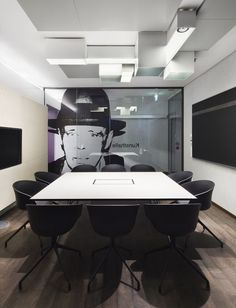 Modern Google Office Conference Room Design: