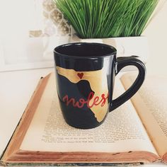 For all of the True NOLES out there, this is the perfect mug for you! Florida State University alumnus or not, youll want to make sure you are drinking out of this mug during the next bowl game. Add it to your collection of school paraphernalia to showcase your True Seminole Pride!