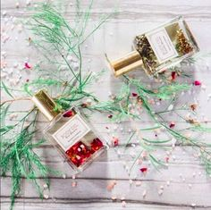 Pamper Mom for Mother's Day with @mulleinandsparrow's hydrating body oils. Shop more from the @luxandeco bath and body collection