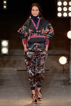 Isabel Marant Spring 2018 Ready-to-Wear  Fashion Show - Africa Penalver