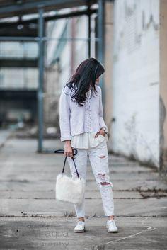 Outfit mit Repeat Cashmere Pulli & Perlenjeans DIY, Fake Fur Tasche von Zara | ootd, Outfit of the day, fashionblogger, fashion, styling | Julies Dresscode Fashion Blog | https://juliesdresscode.de