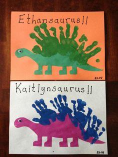 Creative DIY Spring Crafts for Kids Handprint Dinosaurs. Dinosaur Art Projects, Dinosaur Crafts Kids, Dino Craft, Dinosaur Classroom, Dinosaur Theme Preschool, Preschool Art Projects, Dinosaur Activities, Daycare Crafts, Preschool Themes