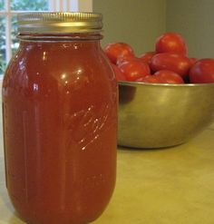 Homemade Bloody Mary Mix (Spicy Vegetable Tomato Juice)   Wonder if this would taste like spicy v8?