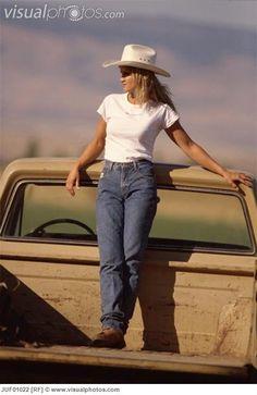 Love the higher waist pants (I miss the good Ol' Rockies)