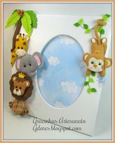Photo frame (Safari Theme) Handmade by Gracinhas Artesanato - Safari Photography Clay Crafts, Felt Crafts, Diy And Crafts, Crafts For Kids, Arts And Crafts, Felt Kids, Felt Baby, Felt Wreath, Felt Garland
