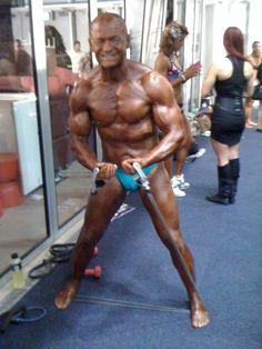 Team Flexr6 - maintaining muscle and dropping bodyfat during comp prep - learn the key elements here: http://flexr6.com/blog/team-flexr6-inba-season-b-comp-prep-report-01-sept-13/