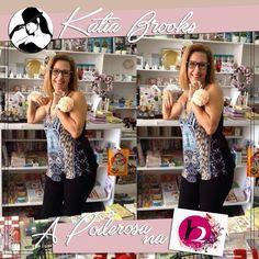 A Katia amou os produtos da H2 Presentes e Utilidades olha ela se divertindo na loja venha conferir as novidades você também!