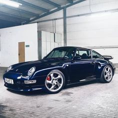The Porsche 911 is a truly a race car you can drive on the street. It's distinctive Porsche styling is backed up by incredible race car performance. Porsche 993, Porsche Autos, Porsche Cars, Porsche Carrera, Porsche Classic, Bmw Classic Cars, Bugatti, Ferrari, Classic Cars