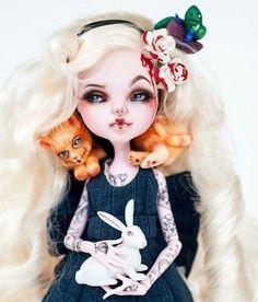 Monster High Repaint custom Doll Alice Ooak