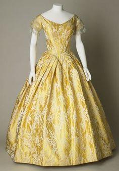 Evening dress of silk brocade, ca 1841-46, Sudley House