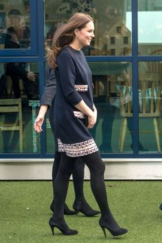 Kate Middleton shows off her bump as she arrives to officially open The Clore Art Room <3