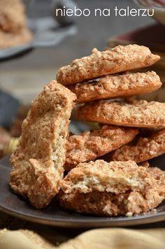 Łatwe ciasteczka sezamowe, małe, szybkorobiące się, chrupiące ciasteczka bez mąki pszennej. Kilka chwil przygotowania i wyjeżdżają z pieca. Dessert Recipes, Desserts, Cookie Bars, Cakes And More, Tasty Dishes, Cake Cookies, Granola, Dairy Free, Sweet Tooth