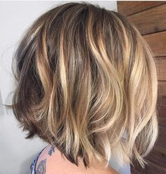- 100 new short hairstyles for 2019 - Bobs and Pixie Haircuts - Short hair model . Short Hair Model, Medium Short Hair, Short Hair Cuts, New Short Hairstyles, Bob Hairstyles, Pixie Haircuts, Heatless Hairstyles, Haircut Short, School Hairstyles