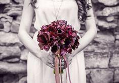 10 Marvelous Tips: Wedding Flowers Bouquet Winter wedding flowers table pink. Low Budget Wedding, Wedding Tips, Summer Wedding, Wedding Photos, Wedding Ceremony, Wedding Planning, Destination Wedding, Table Wedding, October Wedding