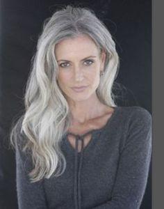 Mrs Robinson Management – Model agency for women & classic women