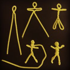 """Pipe Cleaner People. Two strands to make one very cute little 3"""" tall figure. #pipecleaner #haring"""