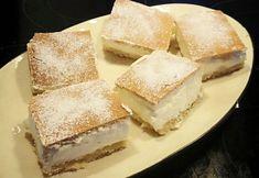 Semlori långpanna med mandelmassa och grädde. Perfect Bun, Fika, Something Sweet, Vanilla Cake, Cheesecake, Sweets, Snacks, Cream, Semlor