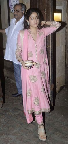 Anil Kapoor celebrated Ganesh Chaturthi at his residence with a host of close family members and friends. Sonam Kapoor, Sridevi and other B-Town folk were spotted outside his home Pakistani Dresses, Indian Dresses, Indian Outfits, Indian Attire, Indian Wear, Indian Designer Outfits, Designer Dresses, Churidar Designs, Actrices Hollywood