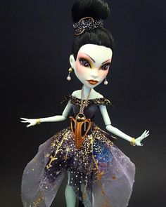 OOAK Monster High Doll Scarah Screams The Gothic von TheDollarium