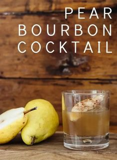 Pear Bourbon Cocktail Bourbon Cocktails, Fall Cocktails, Fall Drinks, Cocktail Drinks, Craft Cocktails, Alcoholic Punch Recipes, Alcohol Recipes, Drink Recipes, Yummy Recipes