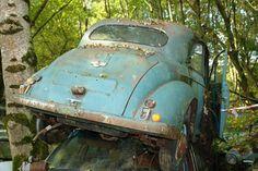 Abandoned Vehicles, Abandoned Cars, Rusted Development, Camaro Iroc, Small House Interior Design, Car Barn, Rust In Peace, Rust Belt, Morris Minor
