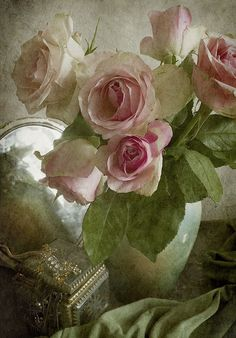olive and rose Affinity Photo, Coming Up Roses, Romantic Roses, Classical Art, Rose Cottage, Gras, Pink Roses, Flower Art, Still Life