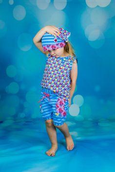 Sommerliche Erdbeerzeit und Kindersprüche - oder: warum nun ein Teebeutel im Bad hängt - Nähfrosch  Langsam geht sie los, die Erdbeerzeit! Warum bei uns ein Teebeutel im Bad hängt, Sophia lieber ein Bauer wäre und welche Freebooks ich für unser Mama-Tochter-Outfit verwendet habe, erfahrt ihr auf dem Blog! ;)  http://www.naehfrosch.de/2017/04/sommerliche-erdbeerzeit-und-kindersprueche-oder-warum-nun-ein-teebeutel-im-bad-haengt/  Sommertop Freebook von Klimperklein