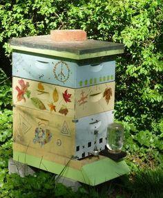 Pretty bee home