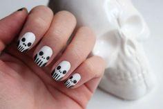 Skulls nail art - Tutorial.
