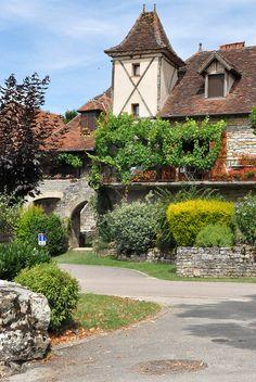 Loubressac , lun des plus beaux village de France