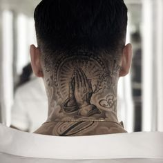 tattoos on the male head Bild Tattoos, Dope Tattoos, New Tattoos, Tattoos For Guys, Tattoo Cou, Tattoo Hals, Back Of Neck Tattoo Men, Back Tattoo, Jesus Tattoo