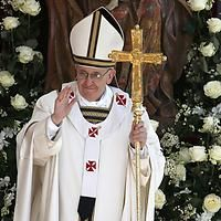 Pope Francis I will be inaugurated today. He needs our prayers & support to lead the Catholic church on a moral & right path. God Speed Pope Francis I. Francis I, Francis Of Assisi, Papa Francisco, Saint Peter Square, New Pope, Pope Benedict Xvi, World Religions, Roman Catholic, Catholic Churches