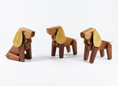 Chester is a wooden toy made in Chile. A perfect gift for dog lovers