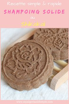 Shampoing Solide au Shikakai Shampoo solid shampoo with shikakaï, simple and quick. Beauty Tips For Face, Natural Beauty Tips, Health And Beauty Tips, Face Tips, Solid Shampoo, Shampoo Bar, Best Natural Hair Products, Natural Hair Styles, Beauty Products