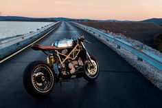 Ducati 996 Cafe Racer Custom Motorcycles, Cars And Motorcycles, Ducati 996, Cafe Racer Motorcycle, Bike Life, Motorbikes, Antique Cars, Monster Trucks, Cafe Racers