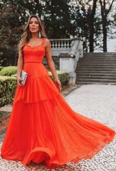 vestido longo laranja para madrinha de casamento Coral Pink, Formal Gowns, Fashion Days, Bridesmaid, Outfits, My Style, Wedding, Beautiful, Clothes