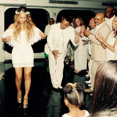 Blue Ivy Is a Dancing Queen and Jay Z Is a Doting Dad in Beyoncé's Personal Pics From Tina Knowles' Wedding! | E! Online Mobile