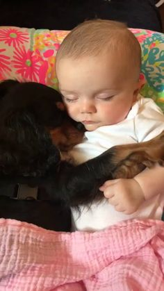 So sweet 😍❤️❤️ - Dogs - # sweet - Hunde Fotos - Animals Cute Funny Animals, Cute Baby Animals, Cute Cats, Funny Babies, Funny Dogs, Cute Babies, Babies With Dogs, Dogs And Kids, Cute Baby Videos