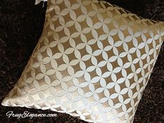 Speaking Of Pillows (just Wrote On Frugelegance.com About Pillows) I Went  Into