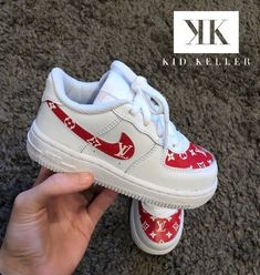 Luxury Baby Clothes, Unique Baby Clothes, Designer Baby Clothes, Baby Girl Nike, Baby Boy Shoes Nike, Toddler Girl Shoes, Toddler Outfits, Toddler Girls, Cute Little Girls Outfits