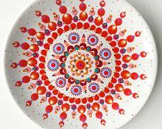 Stippen op porselein schoteltje (van Dille en Kamille) met porselein verf. #kbkunsten