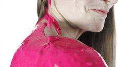 Regina del boulder mondiale, dice di amare il rosa.  Armoniosa e precisa, sensibile ma decisa. Anna Stöhr o Katana Woman? Se di mezzo c'è il rosa, la risposta è...entrambe!  Katana cambia colore, tu quale scegli?