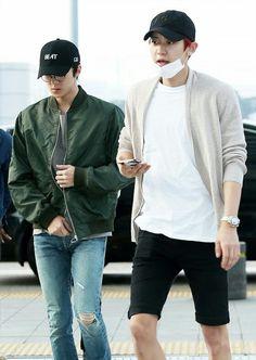 [160528] Incheon Airport, departing for Shanghai #Chanyeol #찬열 #Sehun # 세훈 #EXO #엑소