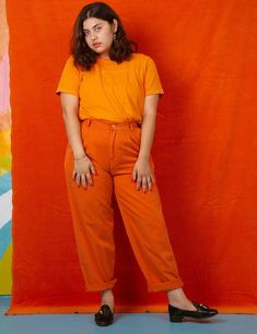 Trousers! Lightweight and looser fitting for the ultimate warm-weather pant! Your butt is gonna love these. Made from super soft custom-dyed lightweight twill. Double-pleated. Big front pockets. Extreeeeemely comfortable!Unisex Sizing. Each size can accommodate a range of body types so please consult our size chart bef Queer Fashion, 70s Fashion, Curvy Fashion, Autumn Fashion, Vintage Fashion, Fashion Dresses, Urban Fashion, Fashion Styles, Curvy Outfits