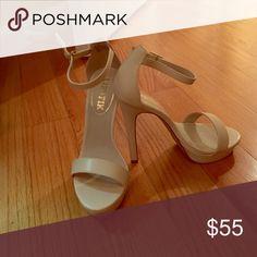 Hot heels never worn!! Too big for me. 5.5 size heels lipstik Shoes Heels