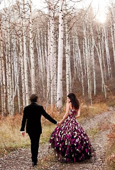 rustic aspen wedding ideas, this bride went with a vey unique wedding dress but she can pull it off! Non White Wedding Dresses, Alternative Wedding Dresses, Traditional Wedding Dresses, Bohemian Wedding Dresses, Wedding Dress Styles, Wedding Gowns, Bohemian Theme, Bohemian Summer, Wedding Suits