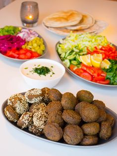 Grymt goda falafel - ZEINAS KITCHEN Zen, Happy Foods, Falafel, Arabic Food, Tahini, Prosciutto, Food Design, Lchf, Brie