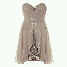 I would wear that 2 like some sort of party or dance I would wear it with grey sparklely pumps great