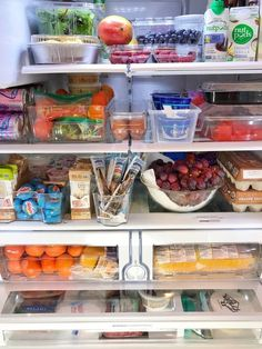 Kitchen Sinks Ideas Healthy eating, weight loss might start with refrigerator organization - This mom of four said this helped her lose 30 pounds. Refrigerator Organization, Recipe Organization, Kitchen Organization, Organized Fridge, Refrigerator Storage, Organization Ideas, Healthy Fridge, Healthy Eating, New Kitchen